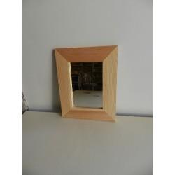 Zrkadlo s rámom - 23x18 cm